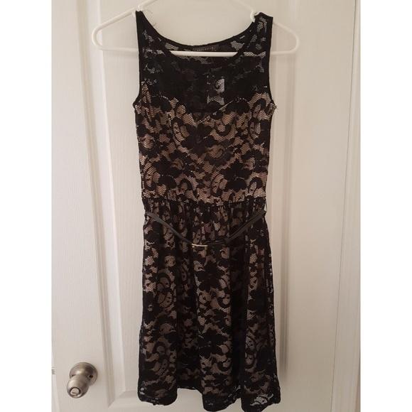Suzy Shier Dresses & Skirts - BNWT Suzy Shier lace, black + nude dress XS